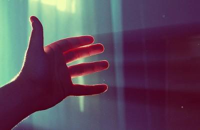 hand-sunlight-400x260